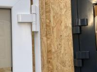 MFZ Innen Ausstellung - 2-Teiliges Aluminium Haustürband & 3-Teilige Kunststoff Haustürband