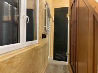 MFZ Innen Ausstellung - Raffstore Musteranlage & Holz Klappladen Moosgrün RAL 6005